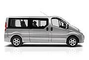 Neuer Renault Trafic Passenger mit langem Radstand - Mehr Platz für Passagiere und Gepäck