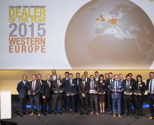 Sieben deutsche Renault Händler erhalten Prädikat für Verkaufs- und Servicequalität